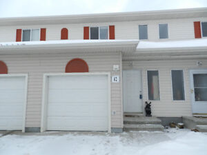 42, 451 Hyndman Crescent - Beautiful Townhome in Rio Hermitage!!