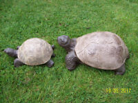 SOLID MOTHER AND BABY TORTOISE GARDEN ORNAMENT
