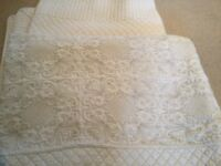 Pair of double bedspreads