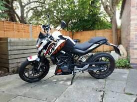 KTM Duke 125cc Motorbike