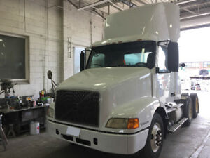 2000 Volvo Day Cab, Great Condition, Low Mileage, Runs Excellent