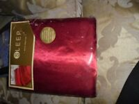 Brand New - King Size Red Satin Duvet Set - Excel Cond.