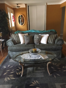 BEAUTIFUL 5 PC LIVING ROOM SET(COUCH, OVERSIZED CHAIR & TABLES