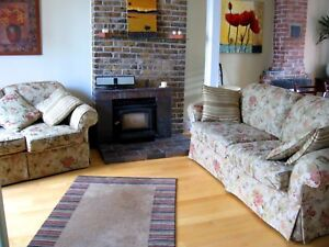 Fully Furnished, Elegant Downtown 2 Bd, Heat & Light incl.