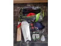 Complete set Cricket bat, pads, helmet, gloves, box and balls