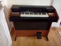 Magnus Electric Organ