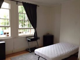 Double Room Available in Buckhurst Hill - East London - Central Line