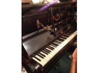 Piano - upright- Free