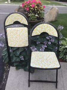 Vintage Retro 4 set metal folding chairs with flowers TOOO CUTE