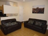 4 Bedroom House on Harold Road in Hyde Park!! £70 PWPP!! Available: IMMEDIATELY!!