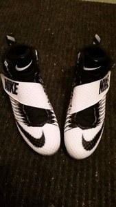 Nike Football Cleats *Price Reduced*