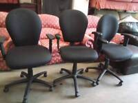 Modern black fully adjustable office chairs