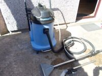 numatic commercial type carpet cleaning machine CTD900