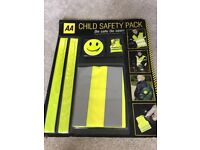 Children's safety set for cycling/walking