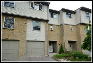 Spacious 4 Bedroom 2 Storey Townhome in Pond Mills