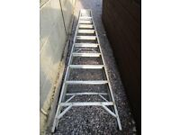 STEP LADDER - LARGE