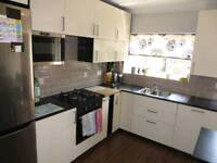 Room to rent let Croydon not in ( Purley norbury Mitcham Wimbledon Streatham Norwood Sutton)