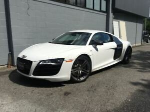 2010 Audi R8 5.2! Local! Full Carbon Fibre Package!!