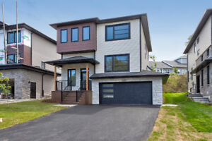 Modern 2-Storey in Waterberry Park - High End Finishes!