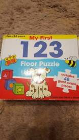 Fabulous condition floor puzzle. Age 3-5.