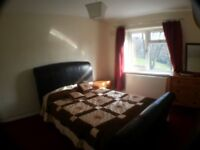 Big double room including bills & wifi internet large house close to train station in central zone 3