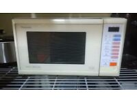 Panasonic Microwave Oven & Browner/Grill - Good Working Condition £35ono - Remodelling kitchen