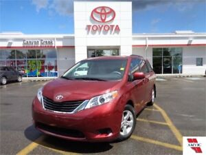 2014 Toyota Sienna 8 Pass LE PWR sliding Doors