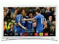 Samsung 32 inch LED Smart TV immaculate with remote