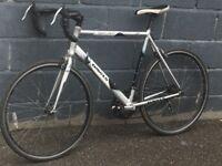 Dawes giro 200 road bike 14 gears 23 inch aluminium frame 700c wheels model 2009