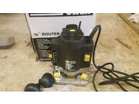 plunge router with accessories - mint condition
