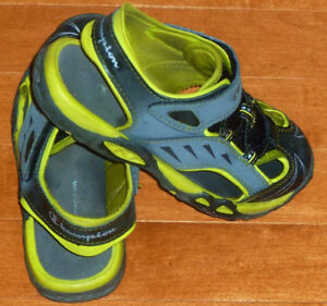 • CHAMPION Size Youth 13 Fisherman Watersport Shoes / Sandals
