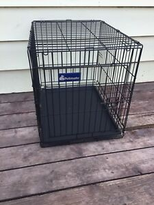 Med size dog crate $40