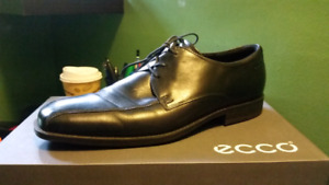 Ecco Black leather dress shoes