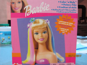 Barbie Styling Head and 10 accessories BRAND NEW