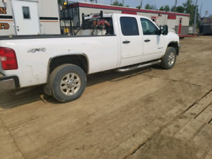 2012 Chevy Silverado 3500 long box gas
