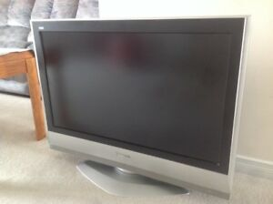 "Panasonic 32"" LCD TV**Excellent Condition**"
