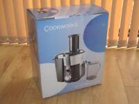 Cookworks whole Fruit Juicer 600 Watt, Brand New, Unused in Original Box
