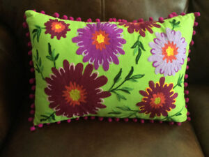 Quality accent cushion