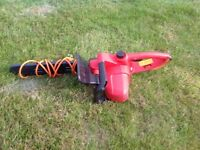 Electric chainsaw (used once) 3 months old