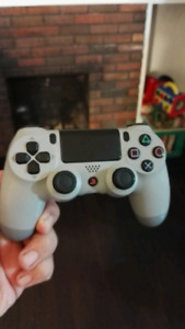 Brand new dualshock 4 ps4 controller