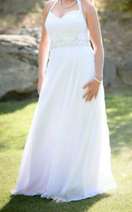 Beautiful A-line Princess Halter Wedding Dress