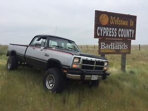 SOLD.......1993 Dodge W250 cummins diesel 12 valve