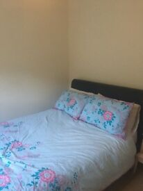 Spacious double room in waterside