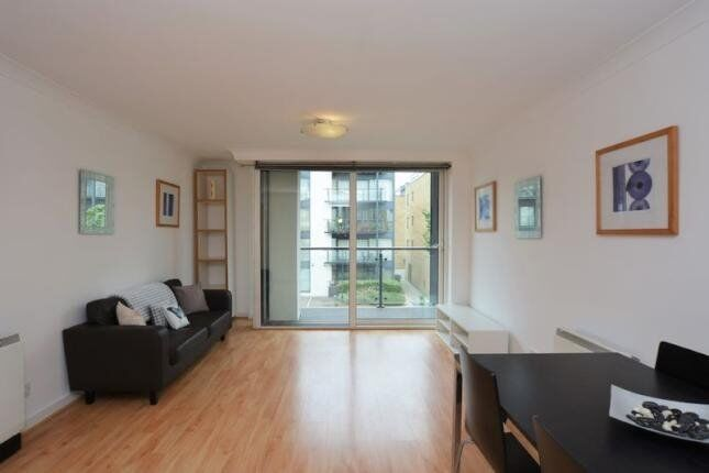 LUXURY 2 BED 2 BATH BOARDWALK PLACE E14 CANARY WHARF SOUTH QUAY HERON CROSSHARBOUR DOCKLANDS