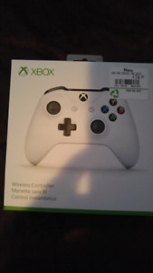 Brand New White Xbox One Controller in Box