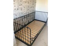 Single strong metal bed