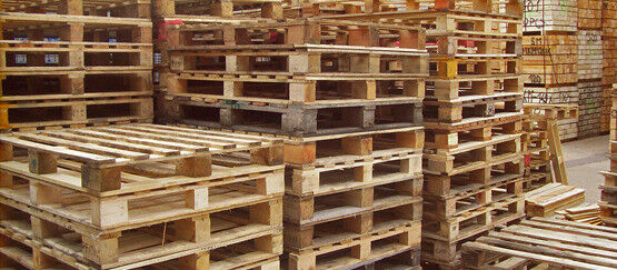 PALLETS GREAT FOR GARDEN FURNITURE/HOME/GARDEN CLEAN AND STRONG4 EACHin Wimborne, DorsetGumtree - PALLETS GREAT FOR GARDEN FURNITURE/HOME/GARDEN CLEAN AND STRONG £4 EACH 100 x 1200