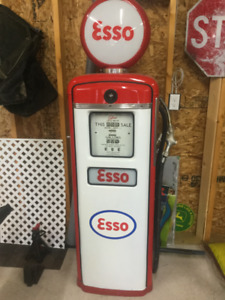 Gilbarco Esso gas pump - vintage 1955