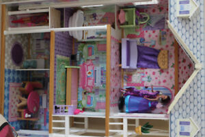 Large Kidcraft Doll House - Perfect for Barbies
