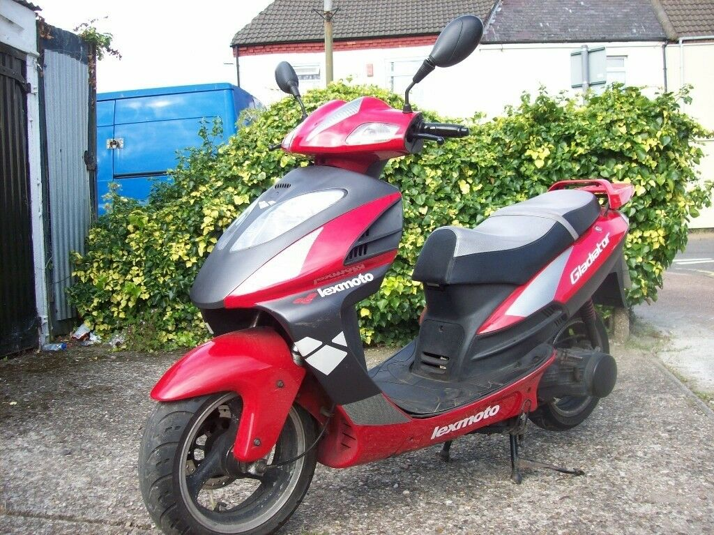 Lexmoto Gladiator 125 / 2011 reg fully auto runs and rides perfect 12 months m.o.t sports exhaust